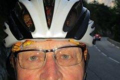 8h50 - Après 1km dans l'ascencion de l'Alpe d'Huez....Gérard prend un coup de chaud...et doit s'arrêter pour laisser retomber le rythme cardiaque après un début à 12%