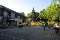 8h09 - C'est parti devant le Château de La Petite Pierre que nous visiterons une autre fois...