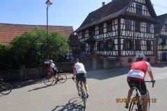 11h12 - Nous traversons de superbes villages Alsaciens...Jaegerthal (53km)